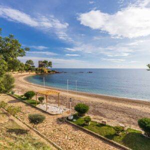 Spiaggia-Centrale_Torre-Saracena_Santa-Maria-Navarrese